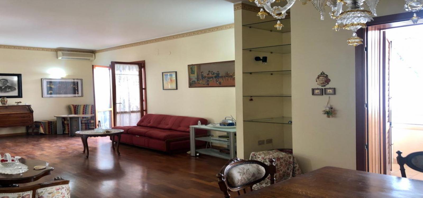 VIALE EPIPOLI,SIRACUSA,96100,Appartamento,VIALE EPIPOLI ,2432